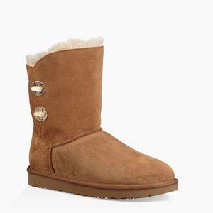 NEW UGG Sz 9 Chestnut Turnlock Boots